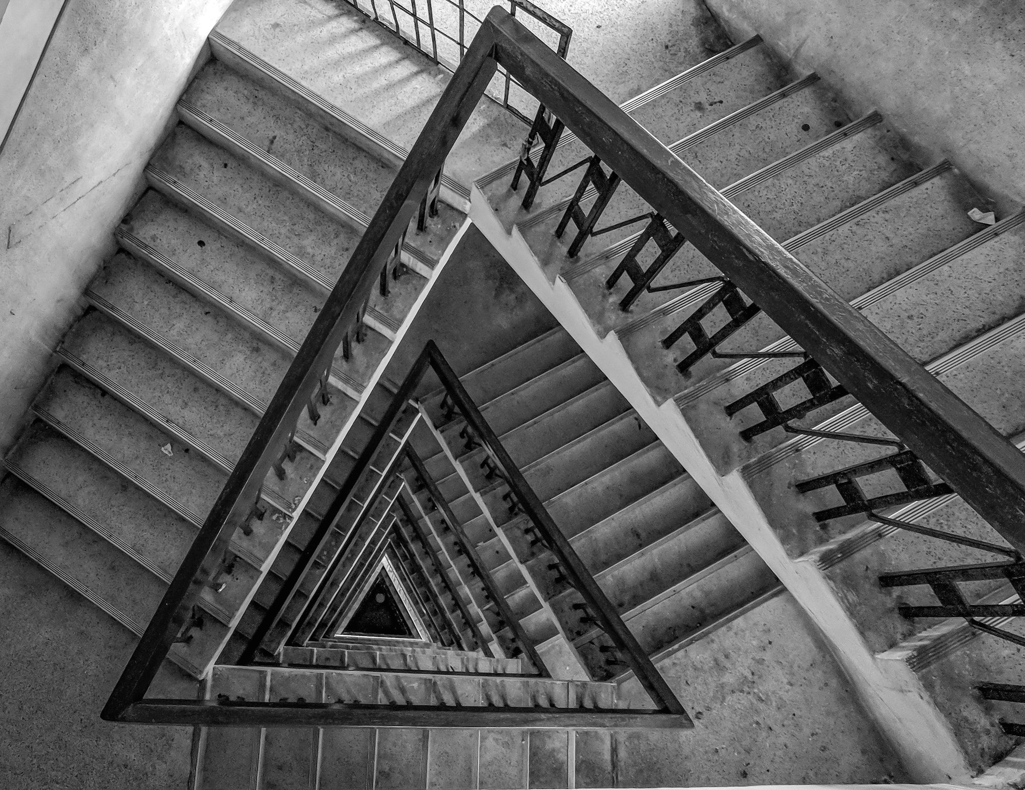 multi-floor-stairs-grayscale-photo-1044302